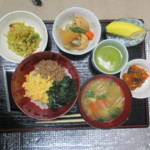 いつもの食事は30品目の食材を使い、バランス良く見た目にも気をつけています。
